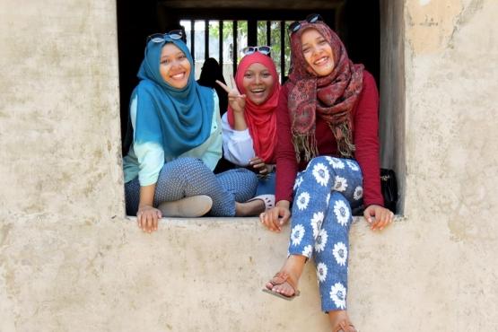 Mujeres javanesas en Yogyakarta - viaje en grupo a Indonesia