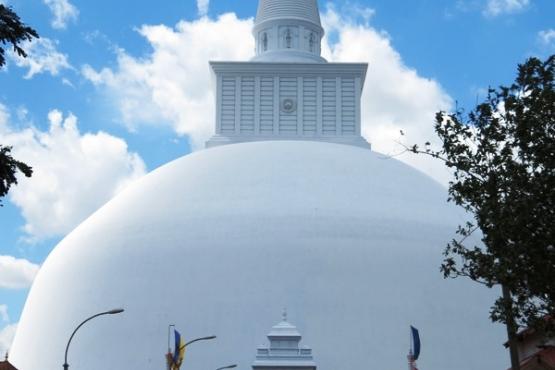 Stupa de Anuradhapura - viajes a medida Sri Lanka