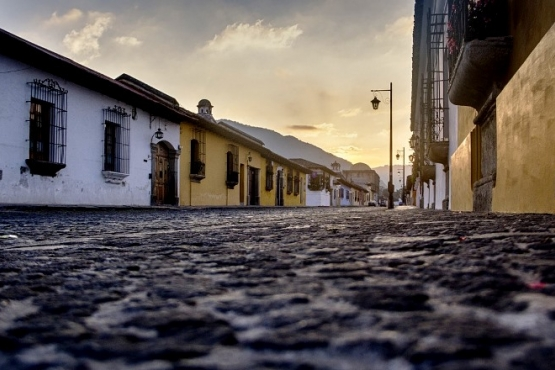 Amanecer en Antigua - viaje a medida a Guatemala