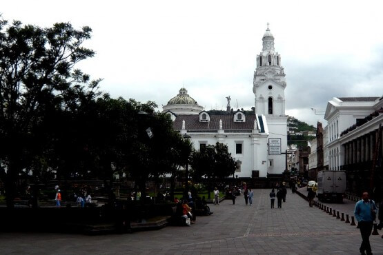 Plaza de la Independencia - viaje a Ecuador y Galápagos