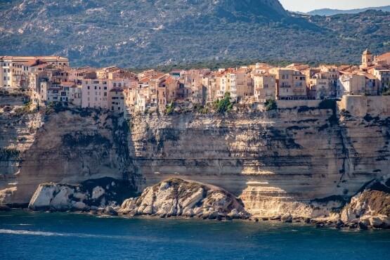 Vistas de los acantilados de Cap Corse