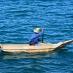 Un pescador faenando en el lago Atitlán - circuito por Ruta Maya