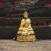 Un momento de meditación - Turismo responsable en Tailandia